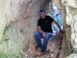 Cave on walk to Navedo